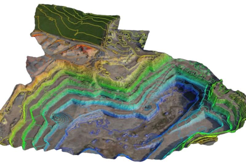 Bild- und Videoflüge 3D-Grubenmodell mit Höhenlinien