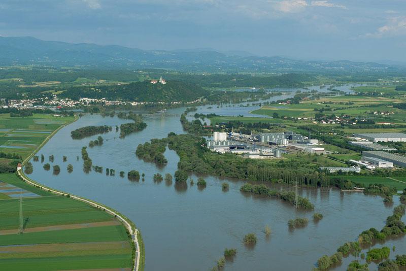 Bild- und Videoflüge Hochwasser Straubing