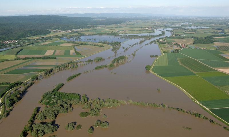 Bild- und Videoflüge Hochwasserbild Straubing