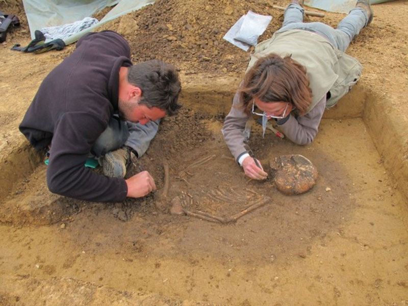 Archaeologische Ausgrabung Skelett 1