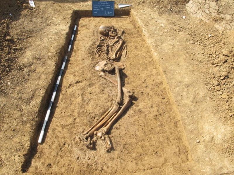 Archaeologische Ausgrabung Skelett 2