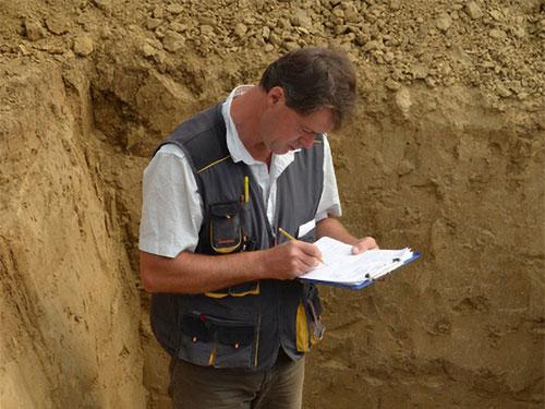 Titel Archäologische Dokumentation