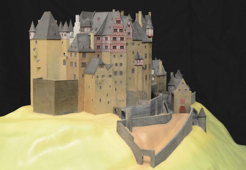 Burg Eltz Architekturmodell mit Hof