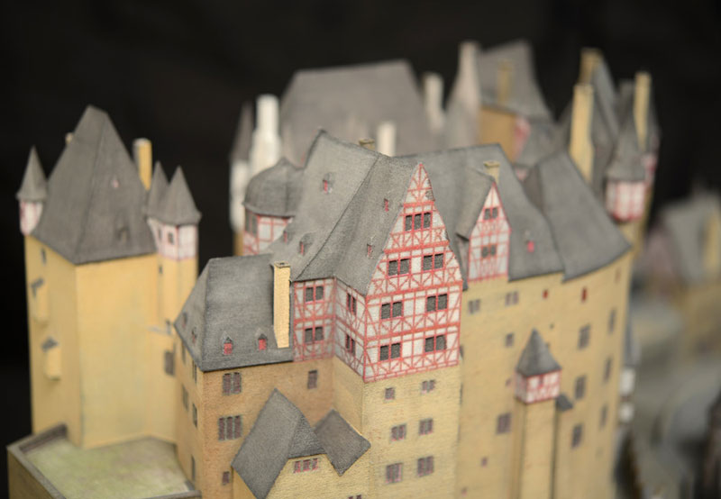 Burg Eltz Burgenmodell Detailansicht Fenster