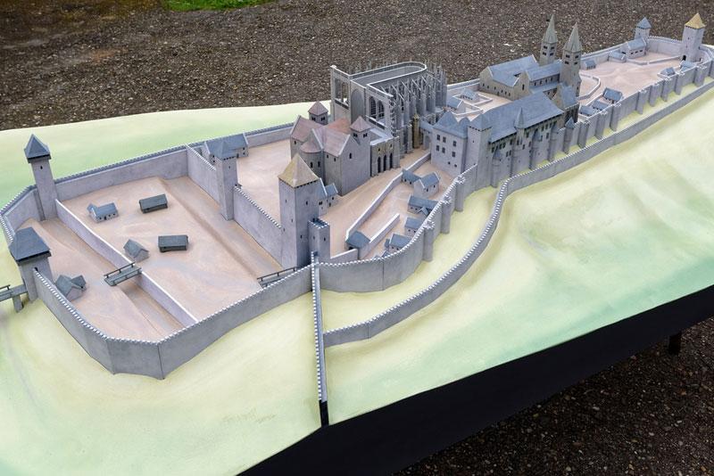 Burgenmodell Prag 1