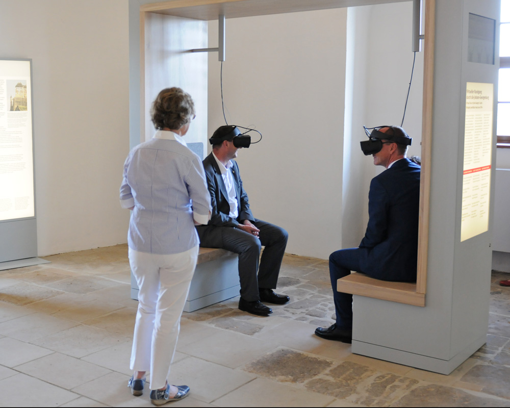 Virtual Reality for museum exhibitions - experience history up close in 3D